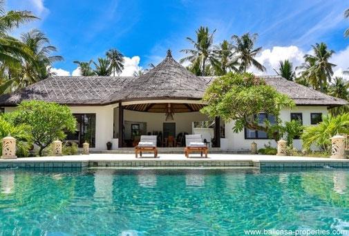 Tropical beachfront villa for sale in North Bali