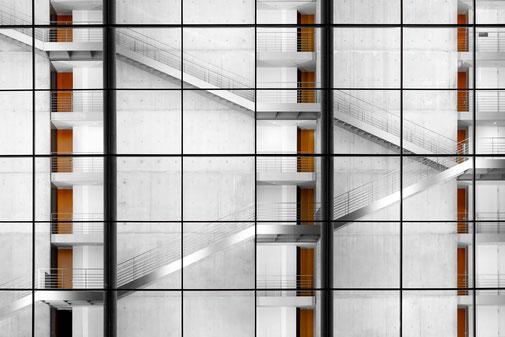 Fotokunst - Ralf Kämper - rk-insights - digital Art - Berlin - Paul-Löbe-Haus - Treppenhaus - Bild - Regierungsviertel