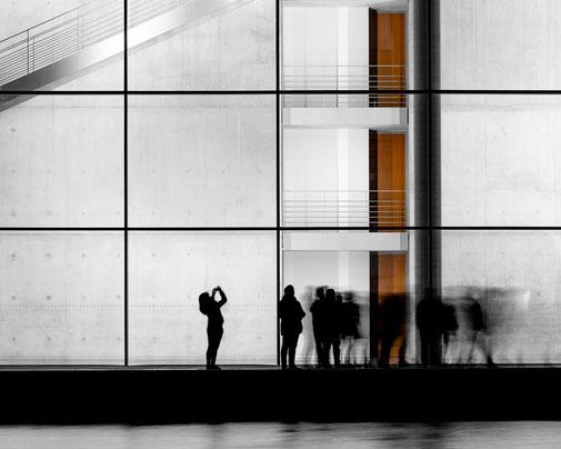 Fotokunst - Ralf Kämper - rk-insights - digital Art - Berlin - Paul-Löbe-Haus - Treppenhaus - Schattenriss - Bild