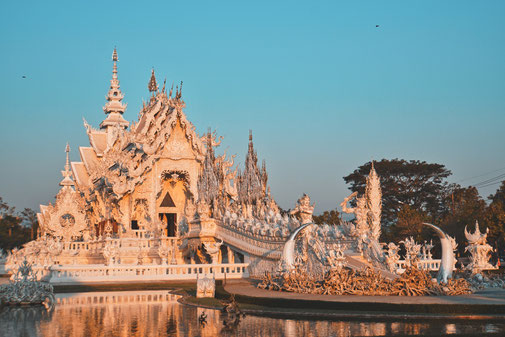 White Tempel in Chiang Rai bei Sonnenaufgang