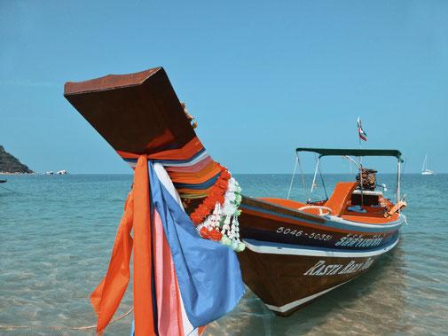 Typisches Holzboot in Thailand