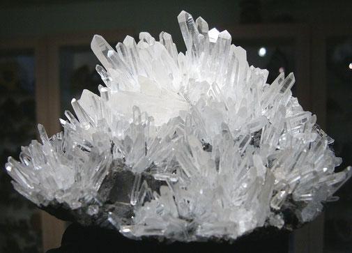 Bergkristall / Nadelquarz auf Bleiglanz- Rumänien