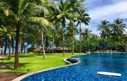 Poollandschaft in einem Hotel in Thailand