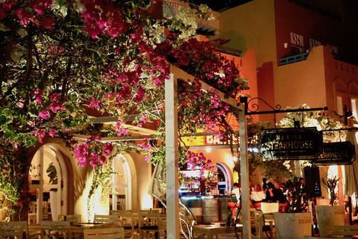Bar in El Gouna bei Nacht
