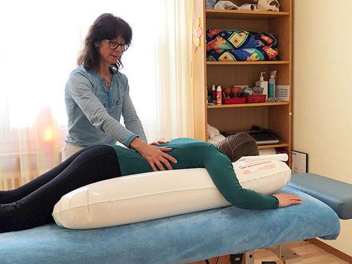 Schwingkissen Therapie, Patricia Kressig-Schori, Praxis für Energetische Körpertherapien, Zürich