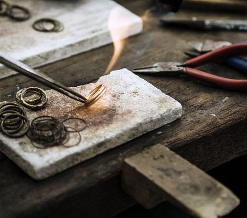goudsmid ring op maat goud gedaan reeuwijk solderen ambacht goud zilver op maat