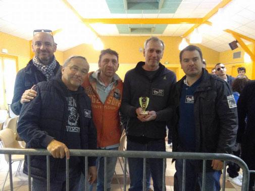 La coupe pour le PPC titre de vice-champion Limousin-Auvergne