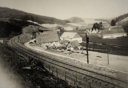Nichts ist mehr wie zuvor: Sallinghausen 1910, kurz vor Fertigstellung der Bahnstrecke