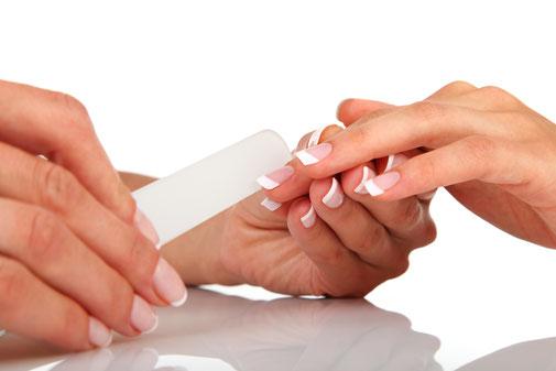 Beauté des mains et pieds  by OPI à Val Thorens, Ma Manucure Marcela Prothésiste, Styliste ongulaire. Nails Stylist