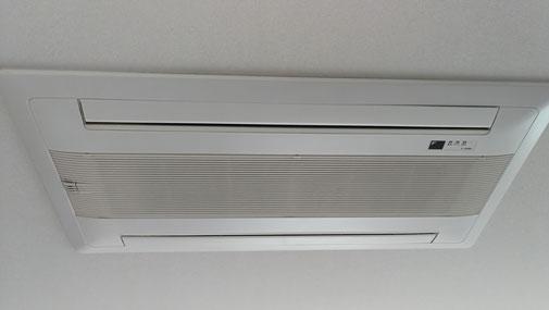 天井カセット型エアコンクリーニング 1方向、2方向