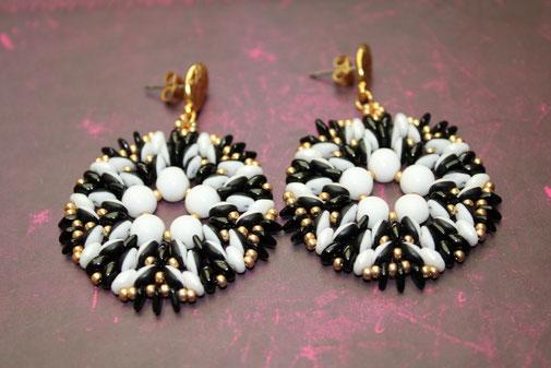 Perlen-Ohrringe Opposite by Kinari Handmade Jewellery
