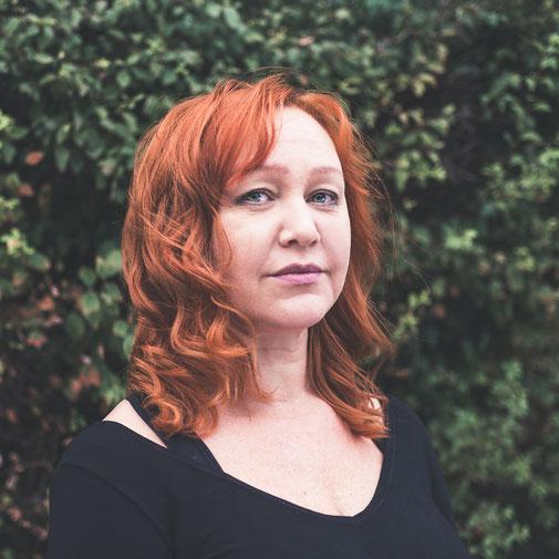 Portrait von Inga Bunina, Inhaberin und Trainerin von studio nonstop