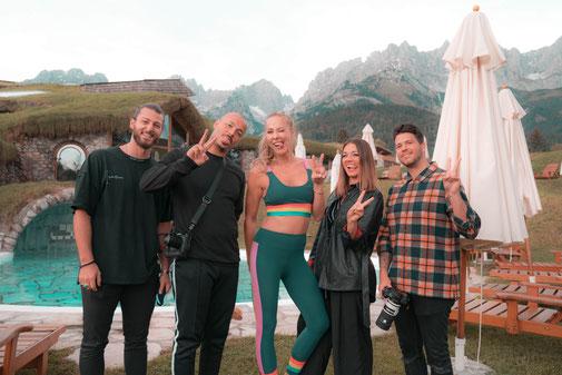 Mit Sky-Reporter Sylvia Walker und Hairdreams Repräsentant Cathi auf der Jagd nach dem perfektem Shot!