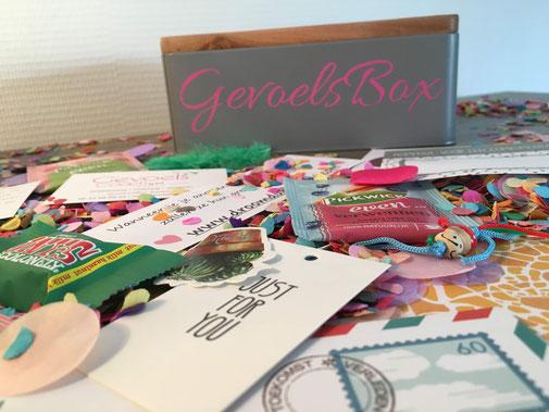 Impressie foto; er zitten een aantal basic gifts in de box en verder mooie persoonlijke spreuken voor de ontvanger