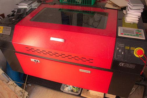 Graviermaschine für Lasergravuren Schilderwerkstatt Gera