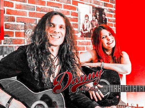 Bild mit zwei Rockmusikern Danny Konz Frank Konz