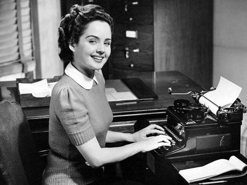 La escritora feliz no necesita más que su feraz espíritu imaginativo y una pequeña libreta