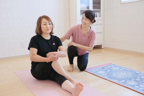 女性専用パーソナルトレーニング指導風景