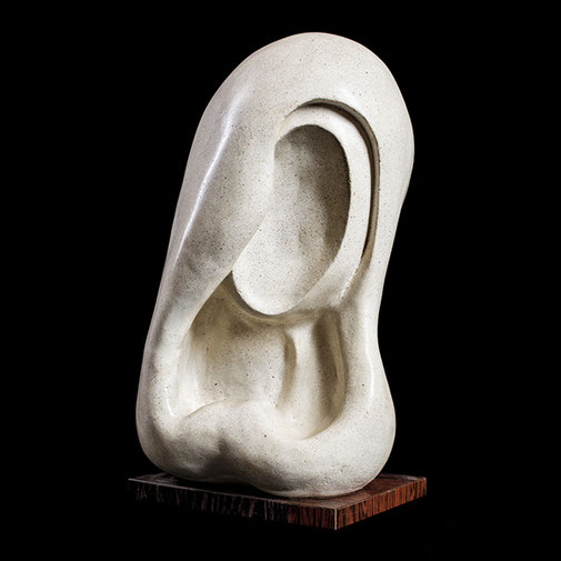 Cabeza. Piedra artificial. 42x29x23 cm. Años 60. Col. particular