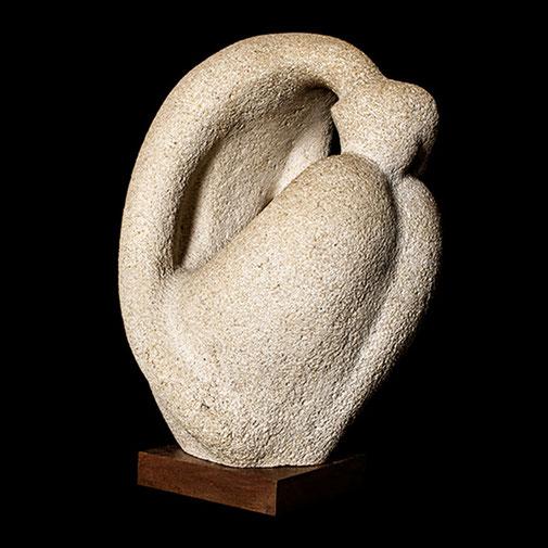 Abatida II. Piedra artificial. 47x16x33 cm. 1971, aprox. Col. particular