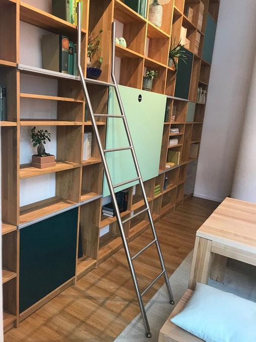 step, стэп, лестница, лестницы, мебельные, передвижные, откатные, переносные, ролики, крючки, гардероб, шкаф, кухня, стеллаж