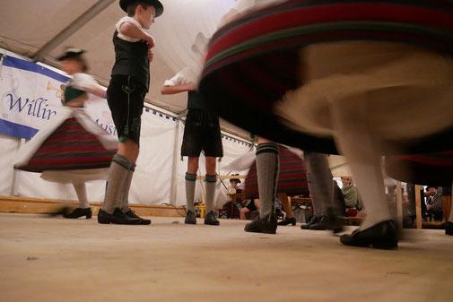 Schuhplattler auf der Bühne