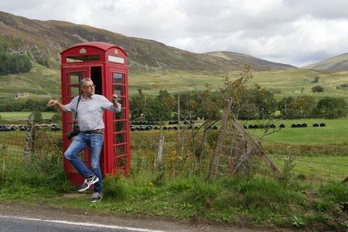 Bilderbuch Telefonzelle, kurz vor den Cairngorms