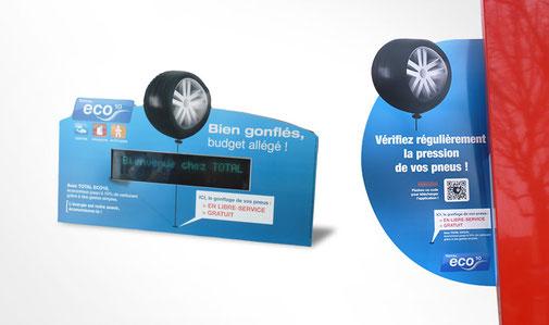 LSZ Communication - Graphiste - Directrice artistique freelance Nantes - #lepetitoiseaudelacom - TOTAL Eco 10 - Animation station service - Gonflage pneu - Strator - Oreillette - Publicité - Agence Caribou