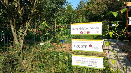 BienenErlebnisGarten Eingang Bienenretter Arcotel