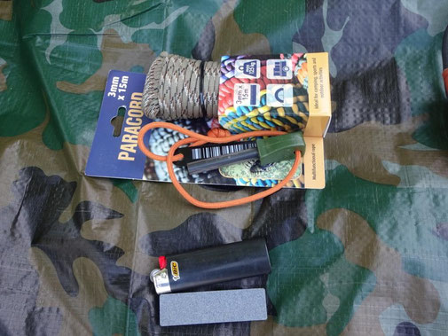 Paracord Action