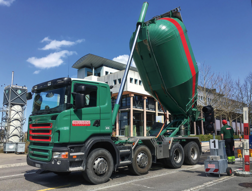 Das Transportunternehmen Jakob Gschwend AG in Engelburg-St.Gallen bietet einen effizienten Transport- und Muldenservice, ein Kiesdepot mit Recycling-Kies, Humus oder Sand sowie einen zuverlässigen Winterdienst an.