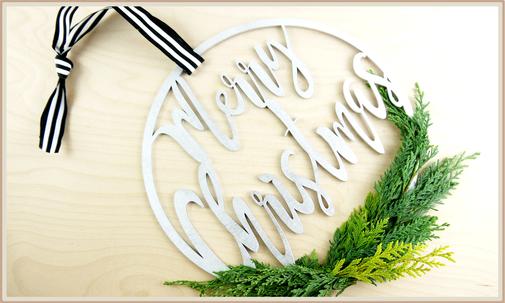 "Holzkranz mit Lasercut ""Merry Christmas"" zum Dekorieren"