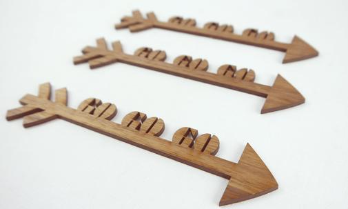 GO GO GO Pfeil Lasercut Dekoration aus Holz