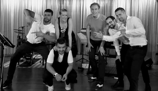 """Gastauftritt auf der AIDAblue mit der Band """"Guys & Rosie"""" aus Ungarn im Februar 2018."""