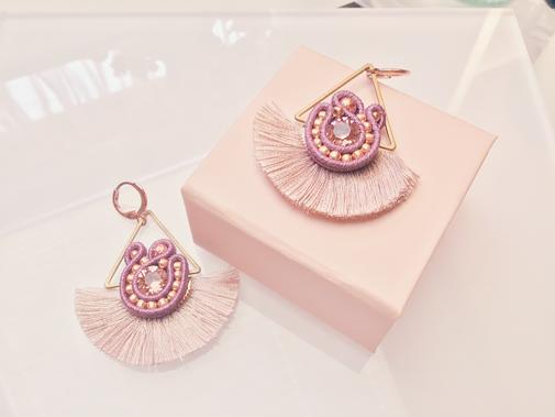 Soutache Schmuck Ohrringe La vie en rose by Kinari Handmade Jewellery Statementschmuck Designer