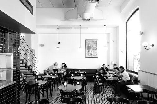 Café Hillel on Jaffa Rd, West Jerusalem © François Struzik - simply human 2019 - Jerusalem