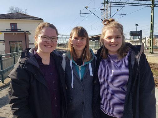Anna (Mitte) und ihre beiden Mitpraktikantinnen Friederike (links) und Amelie (rechts)