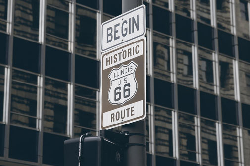 Begin sign Route 66 Downtown Chicago