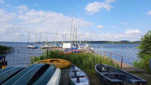 Campingplatzeigener Bootsanleger am Ratzeburger See
