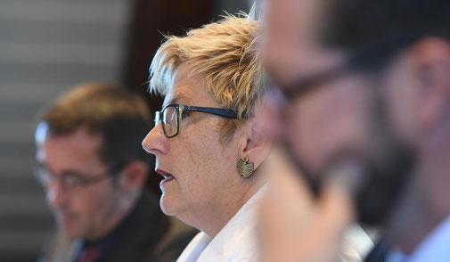 Finanzdirektorin Beatrice Simon: «Die vorgeschlagene Erhöhung der Motorfahrzeugsteuer zur teilweisen Finanzierung der Mindereinnahmen hat sich als politisch chancenlos erwiesen.»