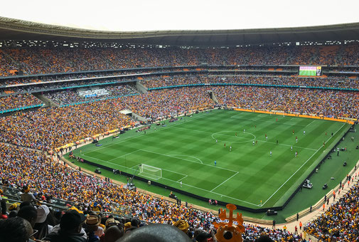The Soweto Derby: Kaizer Chiefs vs Orlando Pirates in Soccer City