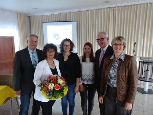 Von links: CDU-Vorsitzender Kurt Kramer, Regine Frese, Tabea und Louisa Frese, Karl-Friedrich Frese und Claudia Ravensburg (MdL)
