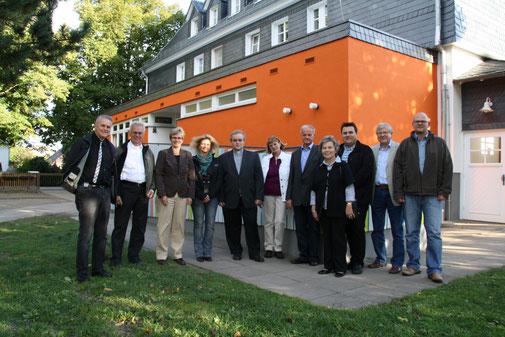 Von links: Kurt Kramer, Gerhard Specht, Claudia Ravensburg, Carola Wahl, Pfarrer Claus Becker, Monika Sögtrop, Gerhard Schneider, Roswitha Stark, Timo Maurer, Ulrich Kirchhübel, CDU Vorsitzender Dirk Hofmann.