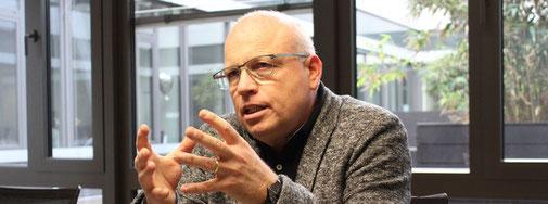 Weisenau wächst - nicht zuletzt auch wegen des geplanten Heiligkreuz-Viertels. Was den Stadtteil lebenswert macht und welche Herausforderungen hier warten, darüber hat Merkurist mit Ortsvorsteher Ralf Kehrein (SPD) gesprochen.