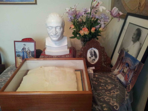 Meher Baba's Melbourne Sahdra and bust
