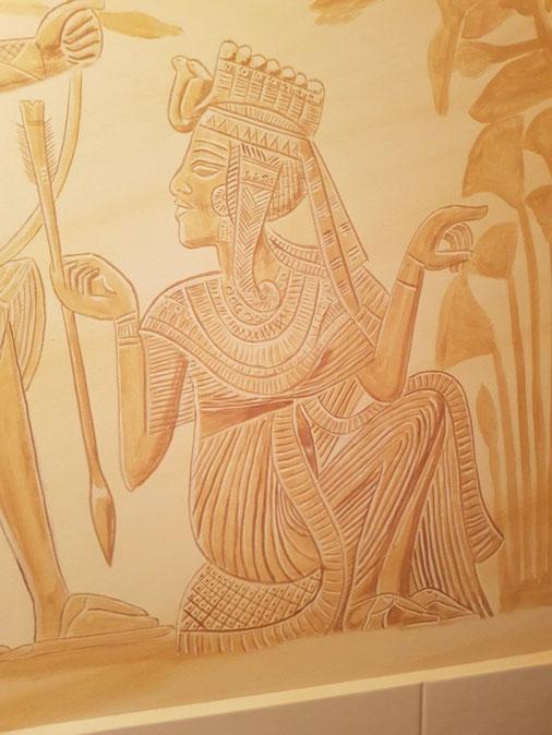 Detail Wandmalerei nach einer Vorlage des goldenen Schreins aus dem Grab von Tutanchamun. Mit freundlicher Genehmigung der bpk Bildagentur Berlin.