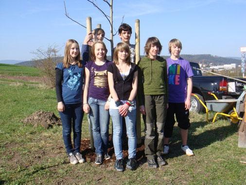 Von links: Selina Geyer, Tina Heiser, Annick Holland, Jana Schmidt, Viktor Beier, Hinten: Patrick Sturm, Louis Woitzik