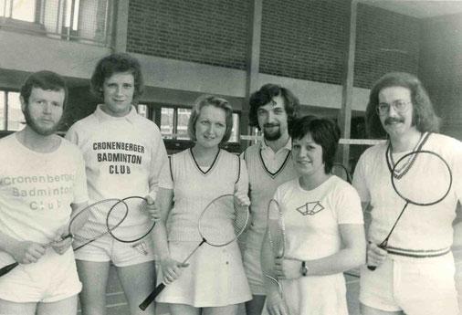 1.Mannschaft 1974/75 von links: Hans-Werner Stein, Lothar Schmitt, Uschi Sewerin, Peter Sewerin, Christa Franzen und Volkmar Holenstein