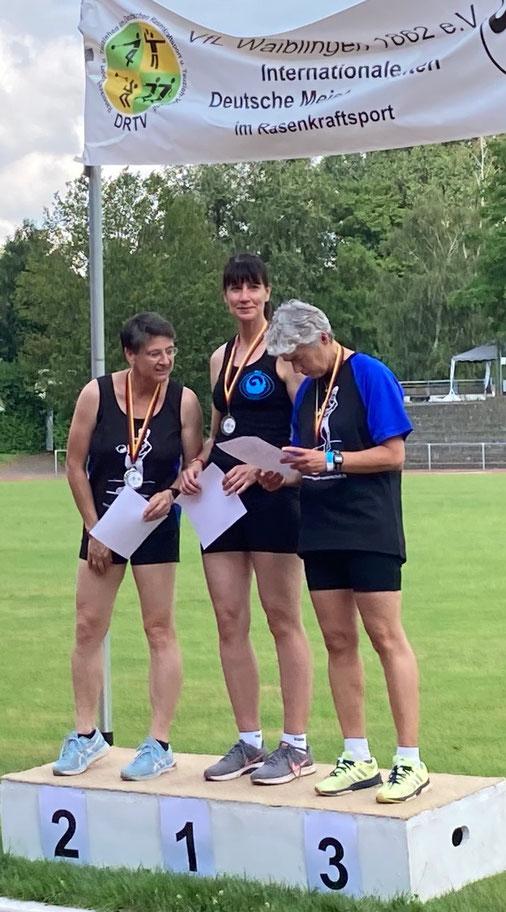 Kristina Telge (Mitte) zeigte einen klasse Wettkampf!