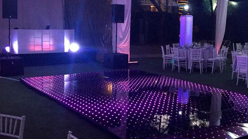 KLS pista iluminada en morado  en boda